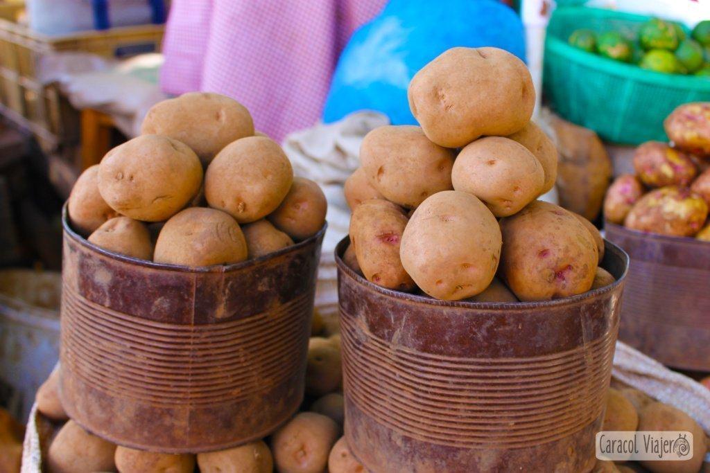 Patatas y montañas en Uganda