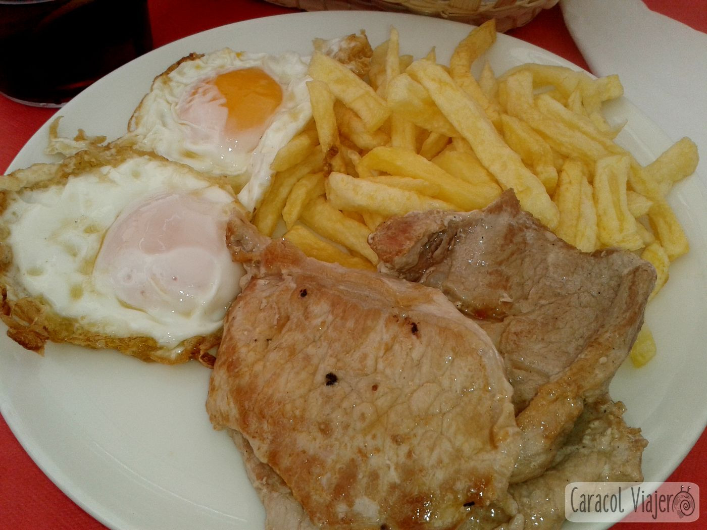 Lomo, huevo y patatas - Plaza del Castillo, comer Navarra