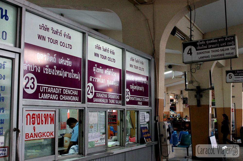 Taquillas estación bus Phitsanulok, Tailandia