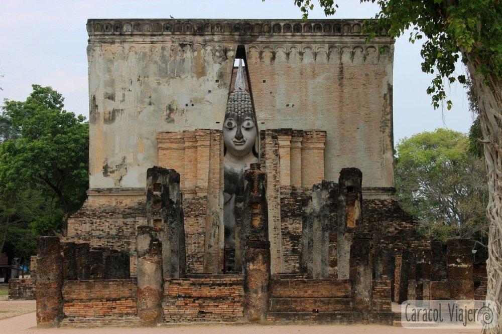 Buda en Wat Si Chum, Sukhothai