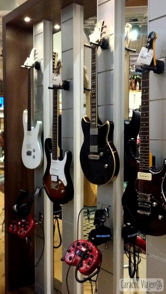 Más guitarras en thomann