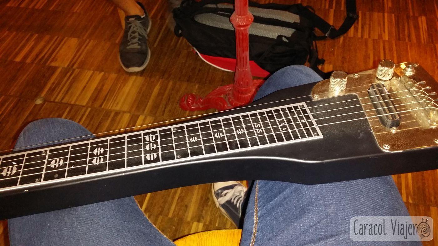 Guitarra estilo de Ben Harper en Thomann