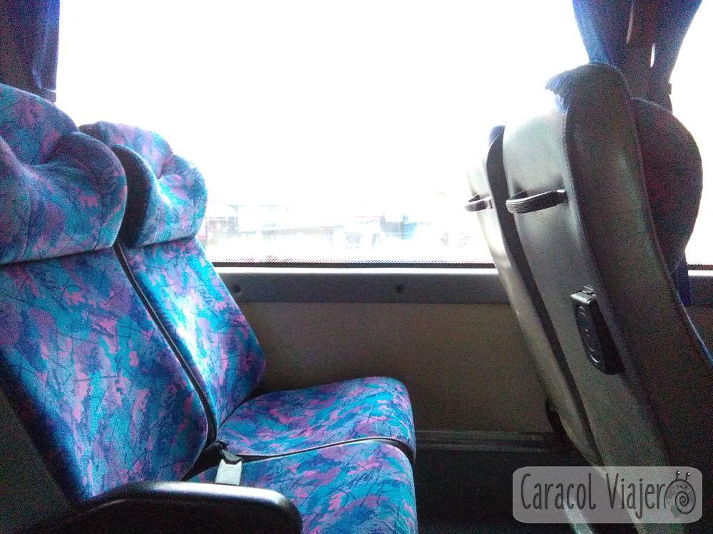 Interior autobús a Sukhothai