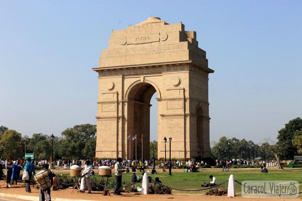 Puerta de la India, Delhi. Aeropuerto de Delhi a la ciudad