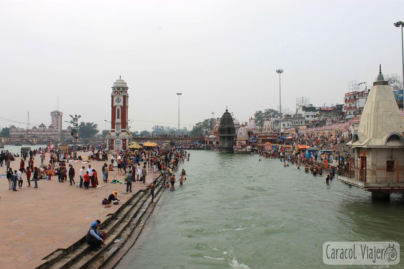 Vistas desde el puente Har-Ki-Pauri, India
