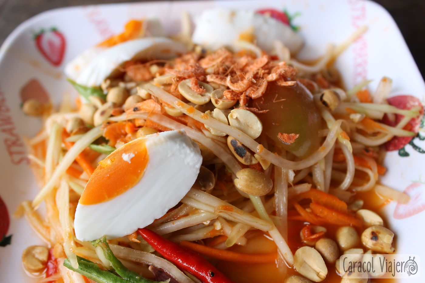 Ensalada de papaya tailandesa en 15 minutos