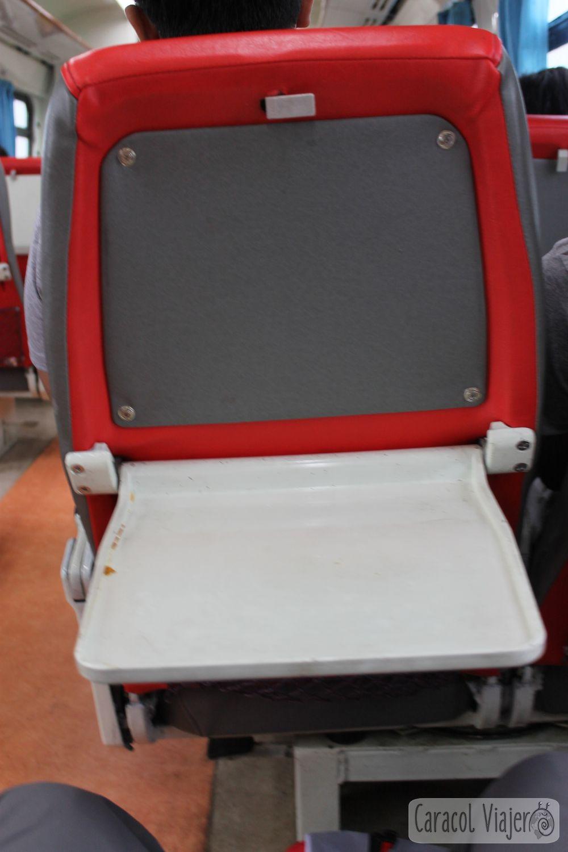 Tren mesa abatible del asiento