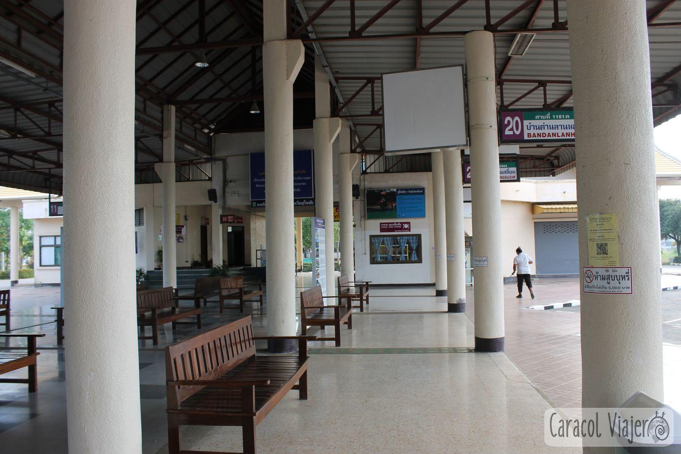 Estación bus Sukhothai