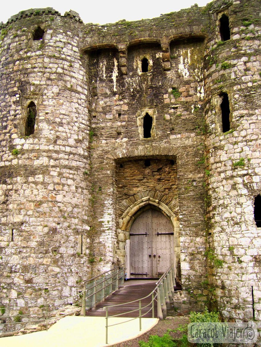 Puerta del castillo Kidwelly en Gales