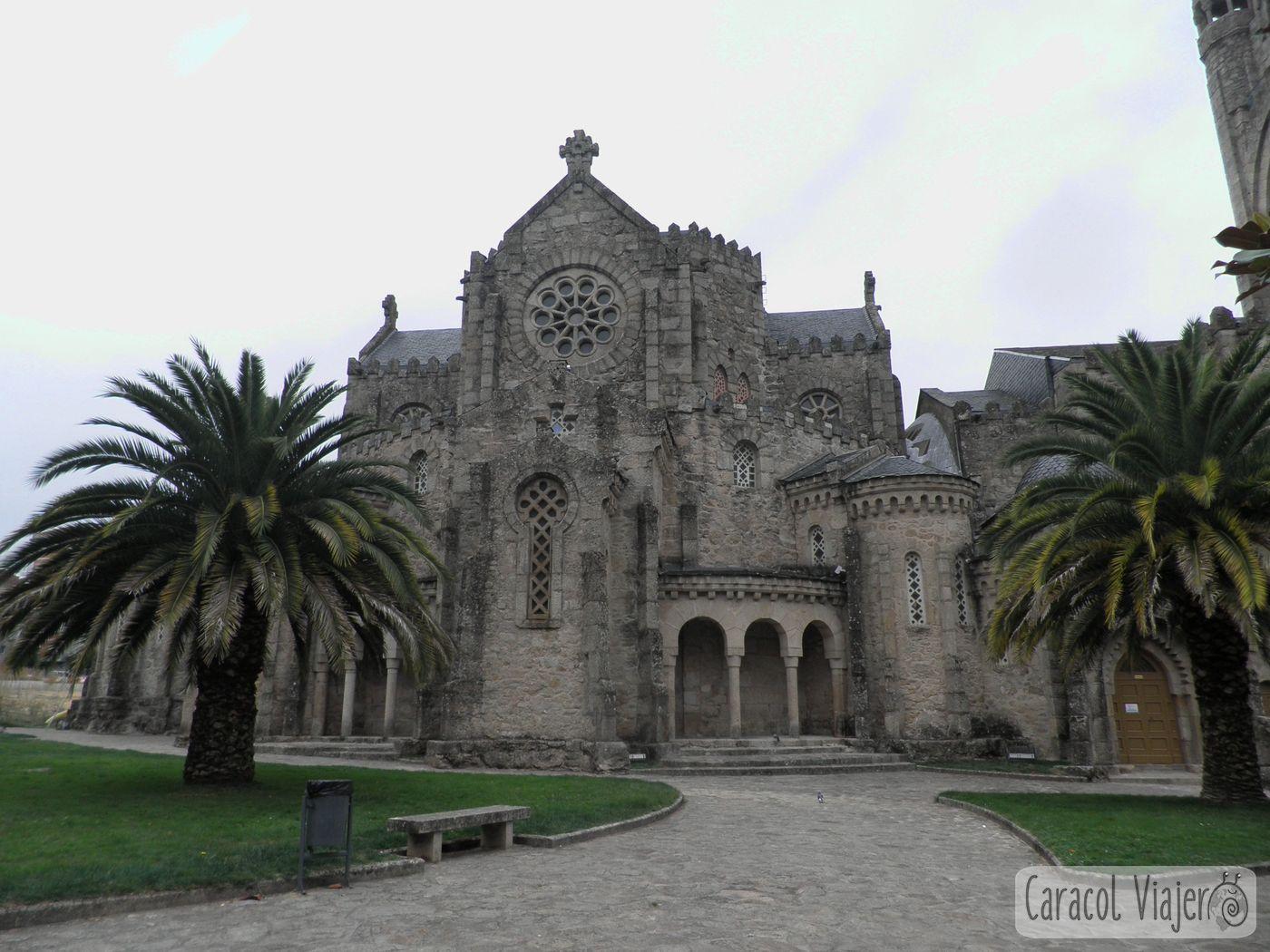 Exterior de la Iglesia de la Vera Cruz, Carballiño