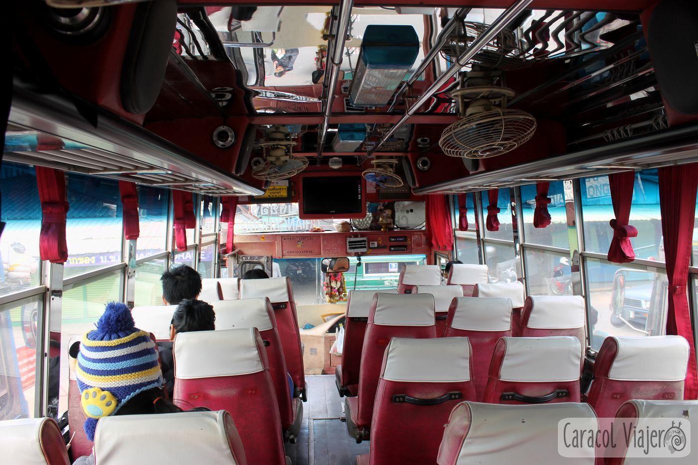 interior bus Chiang Khong, Tailandia