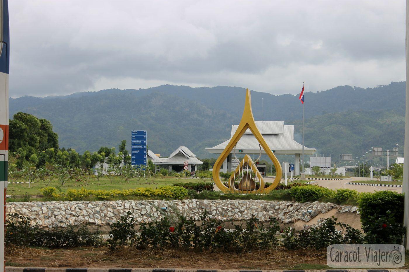 Adiós a Tailandia frontera con Laos