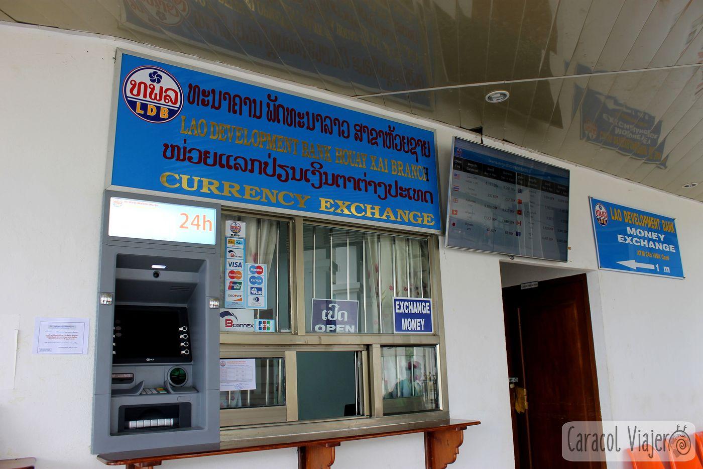 Cambio moneda en Huay Xai