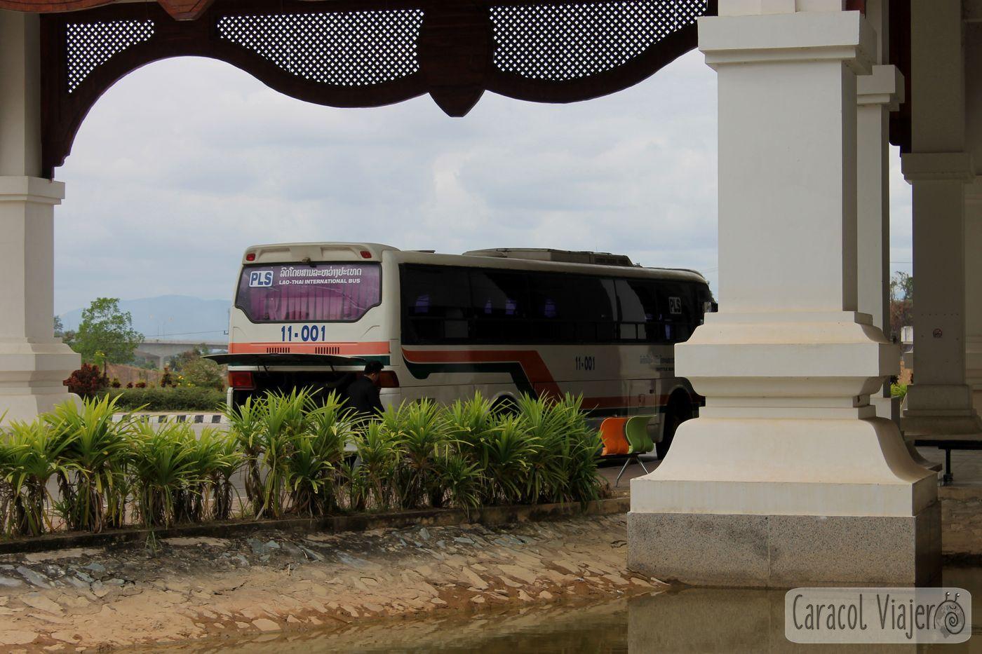 Bus trayecto inverso Laos - Tailandia