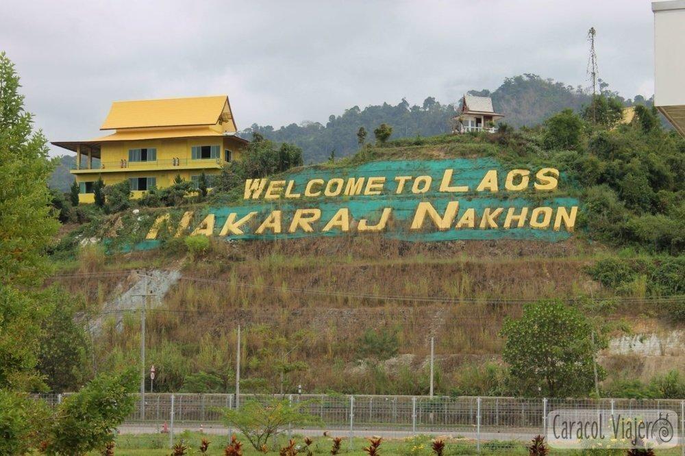 Bienvenida. frontera entre Tailandia y Laos