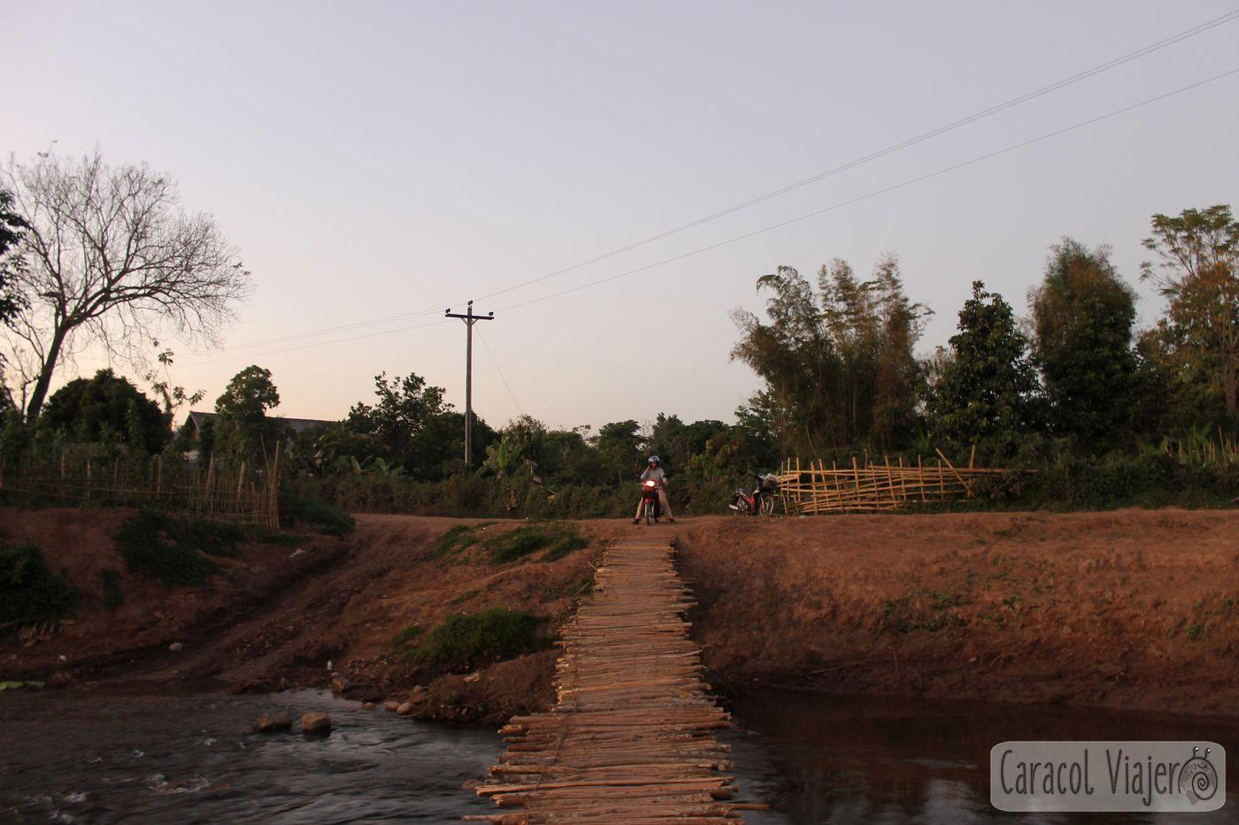 Laos, puente de Madera Luam Namtha
