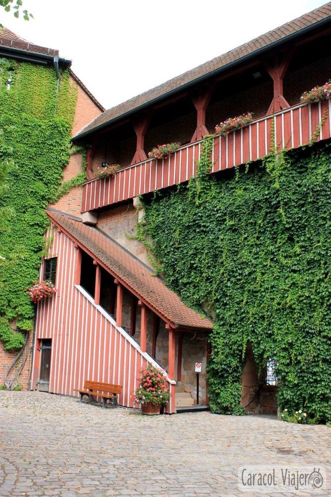 puerta entrada castillo Núremberg