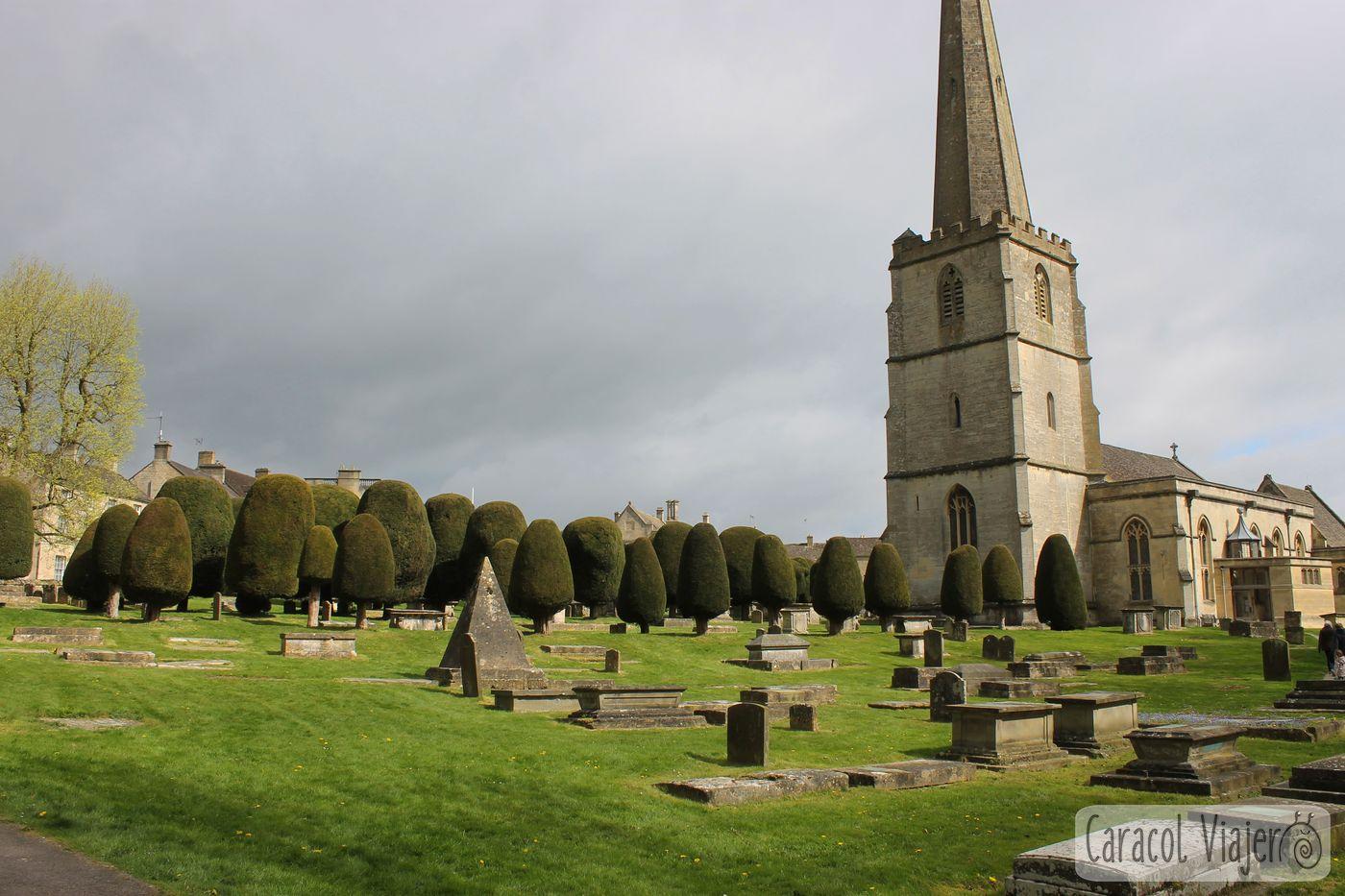 Iglesia de Painswick. Cotswolds en la campiña inglesa.