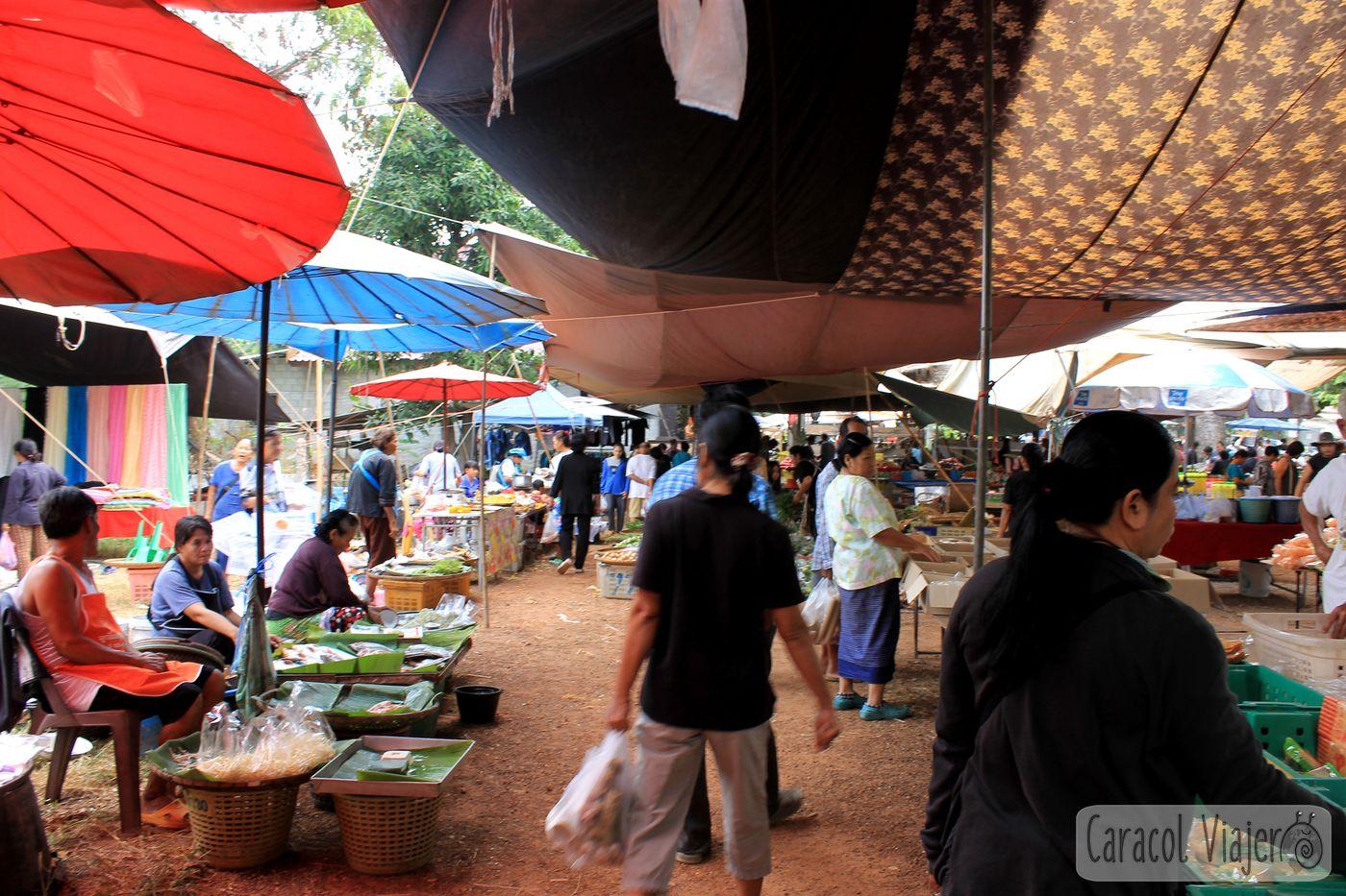 Mercado zona oeste del Parque Nacional de Sukhthai