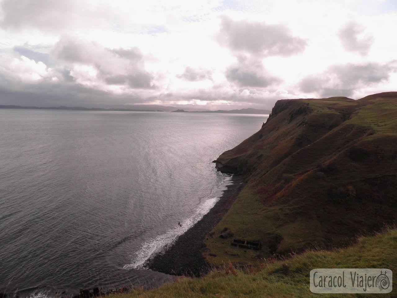 Kilt Rock vistas, Escocia. Acantilado