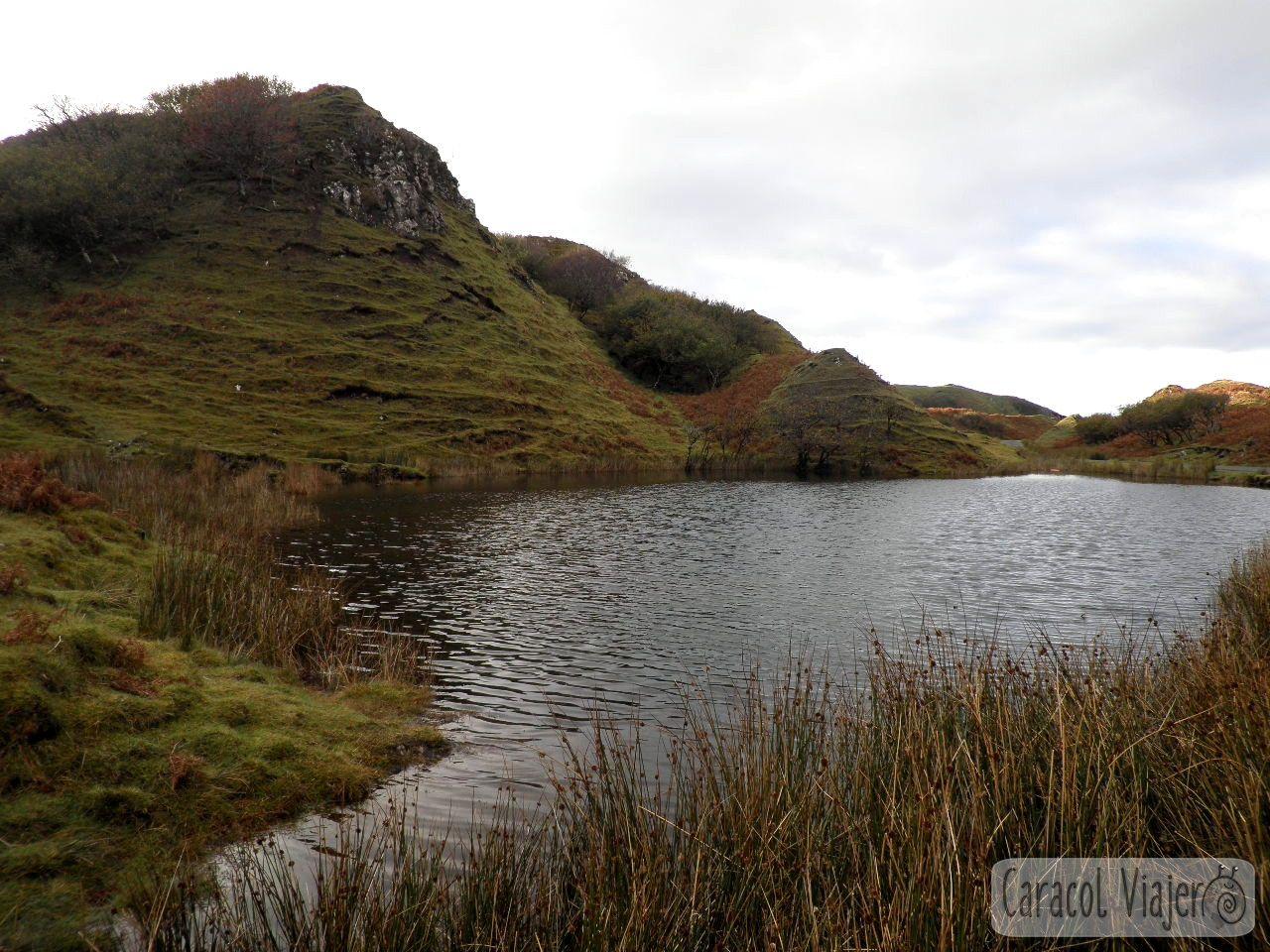 Lago de Fairy Glen, en Escocia.