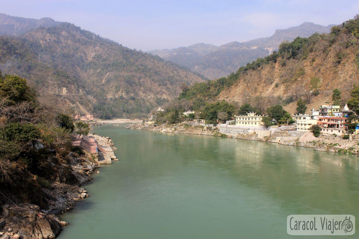 Vistas desde Lakshman Jhula Rishikesh