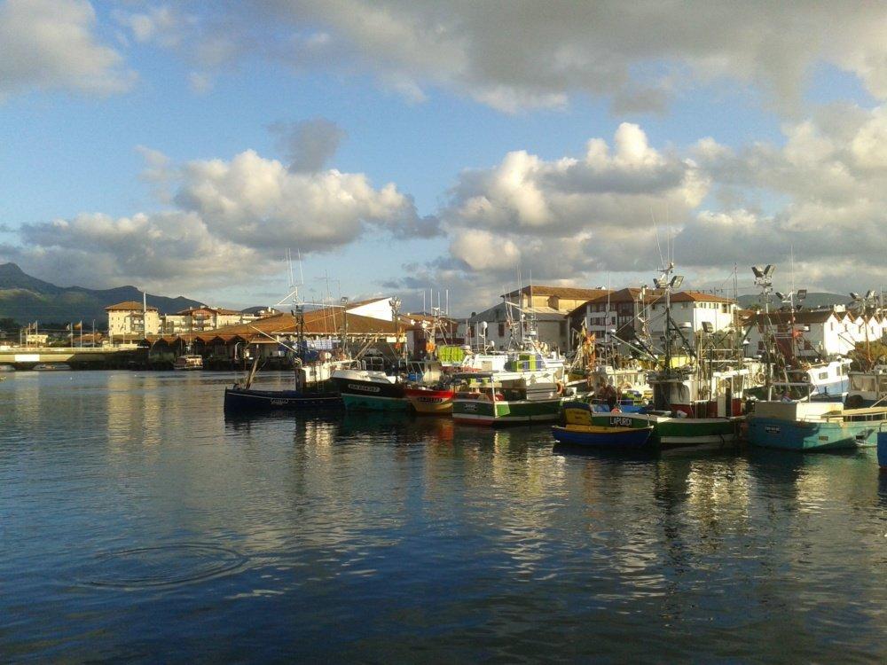 San Juan de Luz y sus barcos