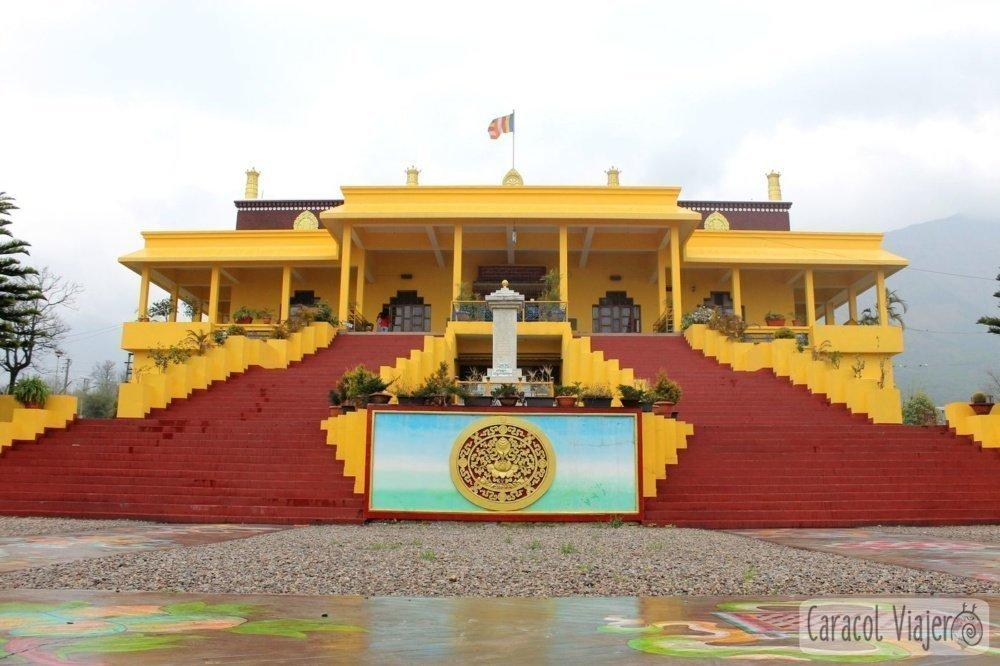 Escuela y monasterio budista