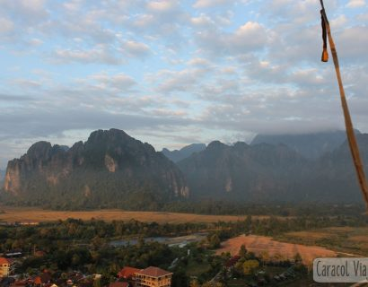 ¿Qué hacer en Vang Vieng? Mucho más que tubing…