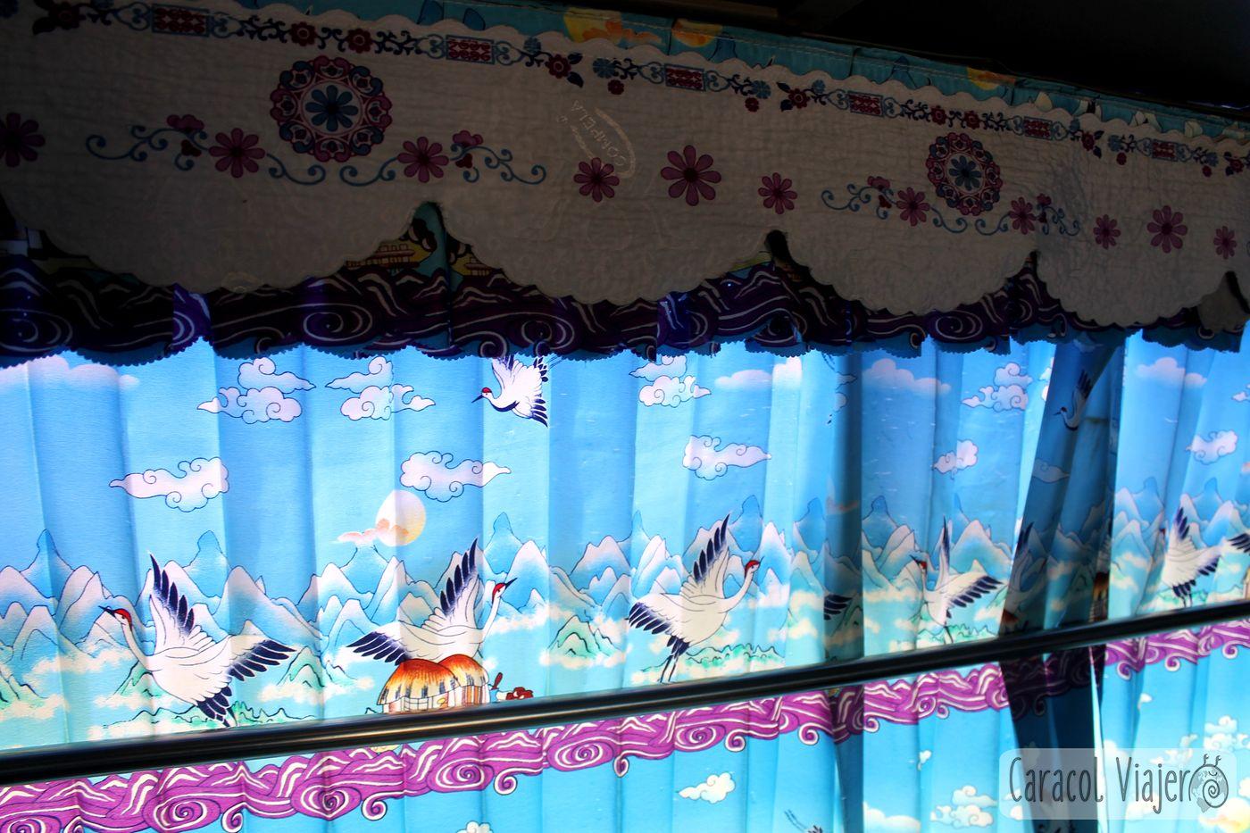 Camboya y la decoración de sus buses