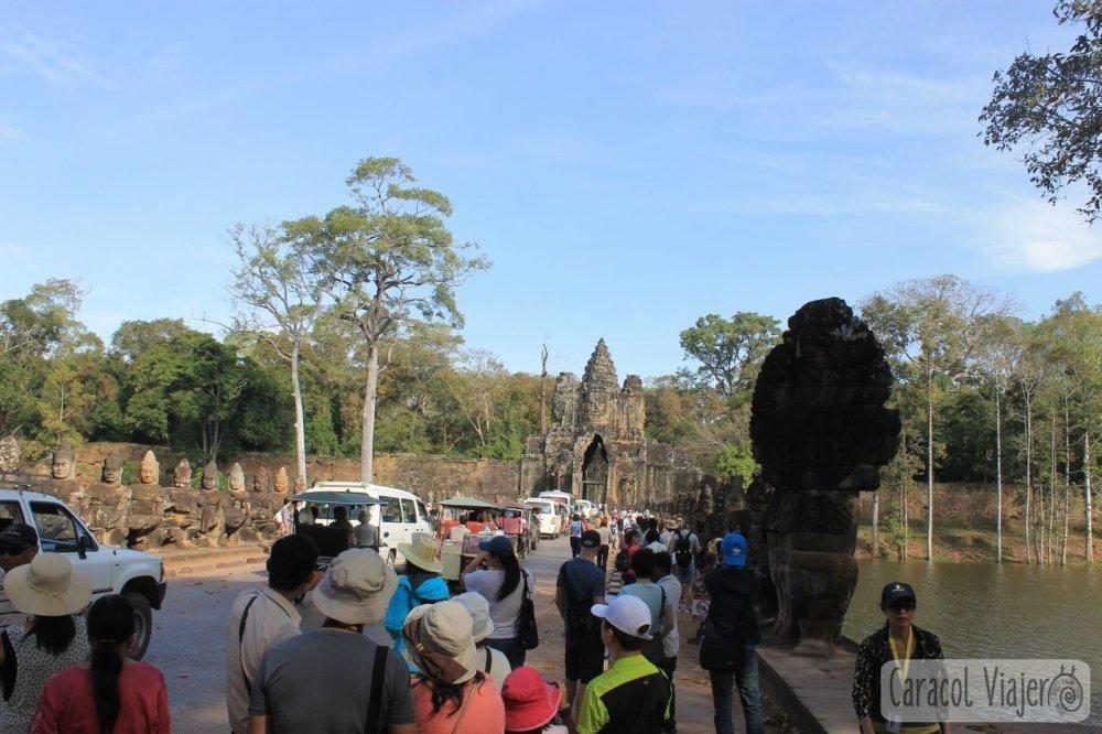 Gente en templos de Angkor