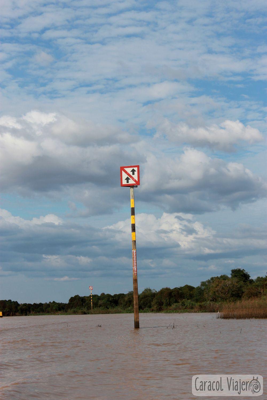 Señales río en Camboya
