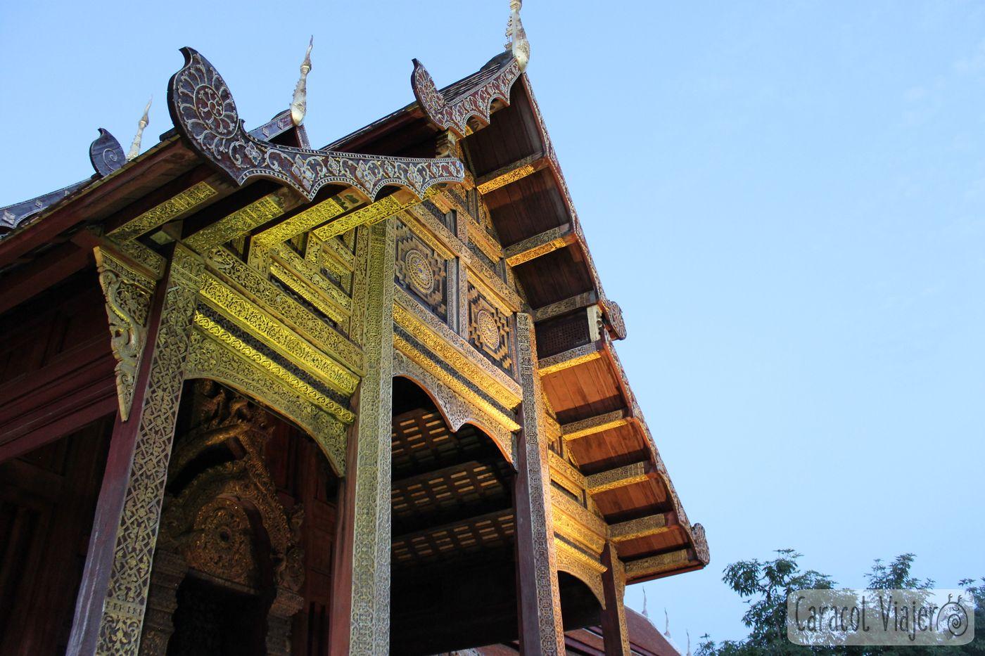 Wat Phra Singh exterior