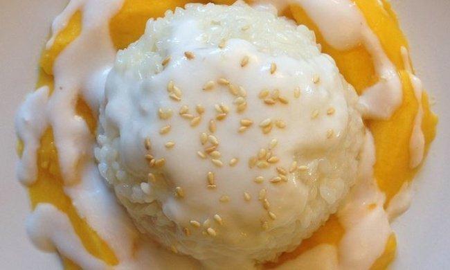 ¡Delicioso postre tailandés de arroz con mango!