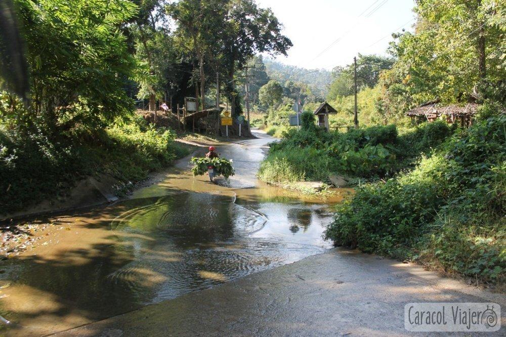 cruzar río Tailandia