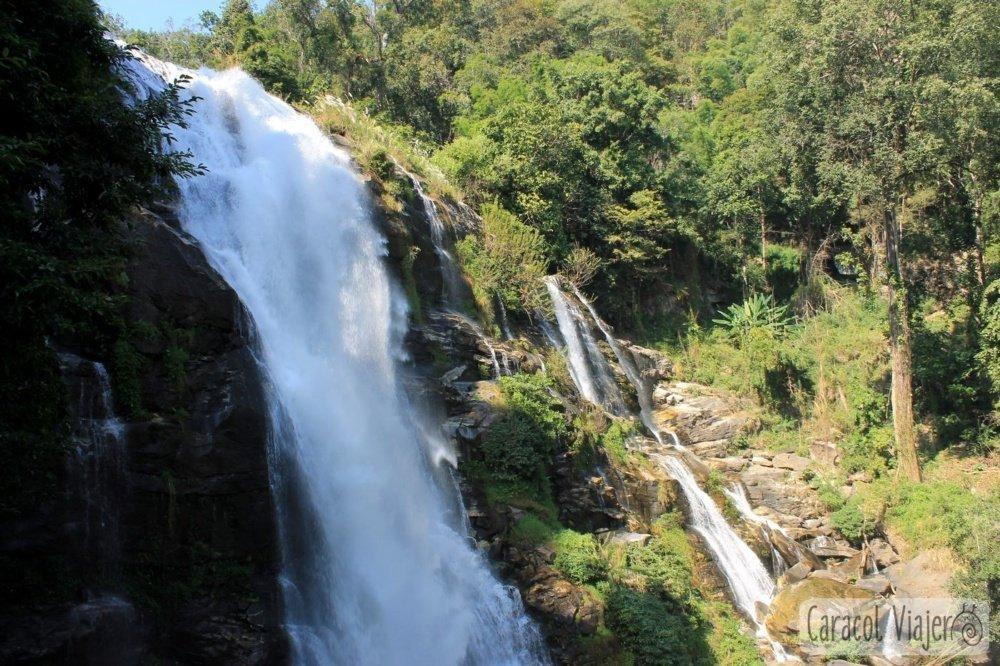 Excursión a Doi Inthanon: Chorro de cascadas en Tailandia