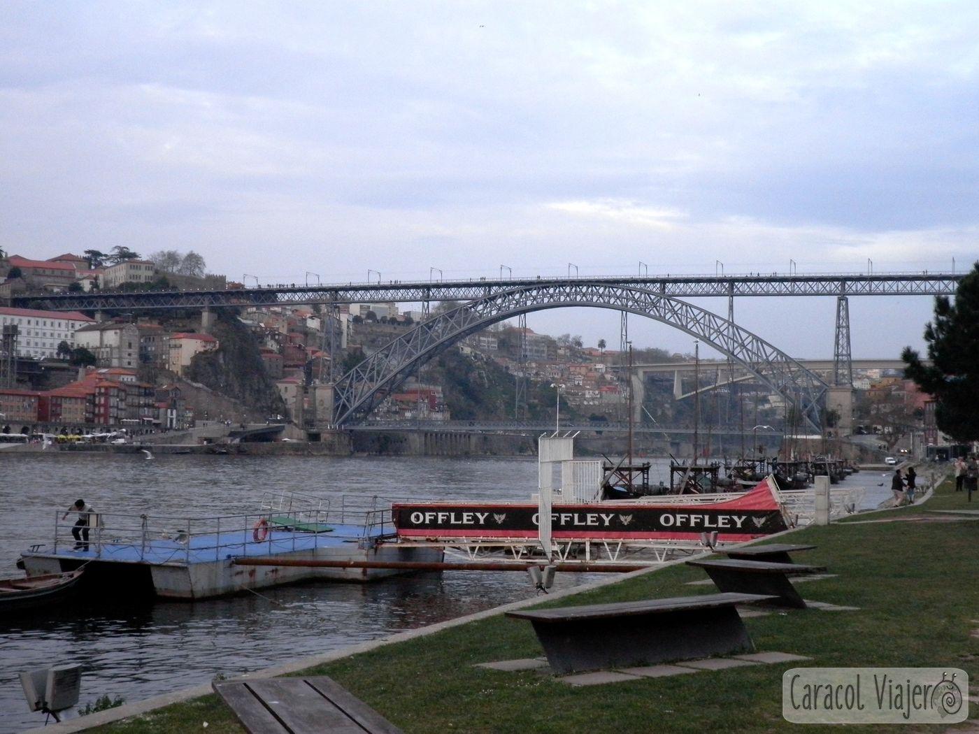 Puente de acero en Oporto