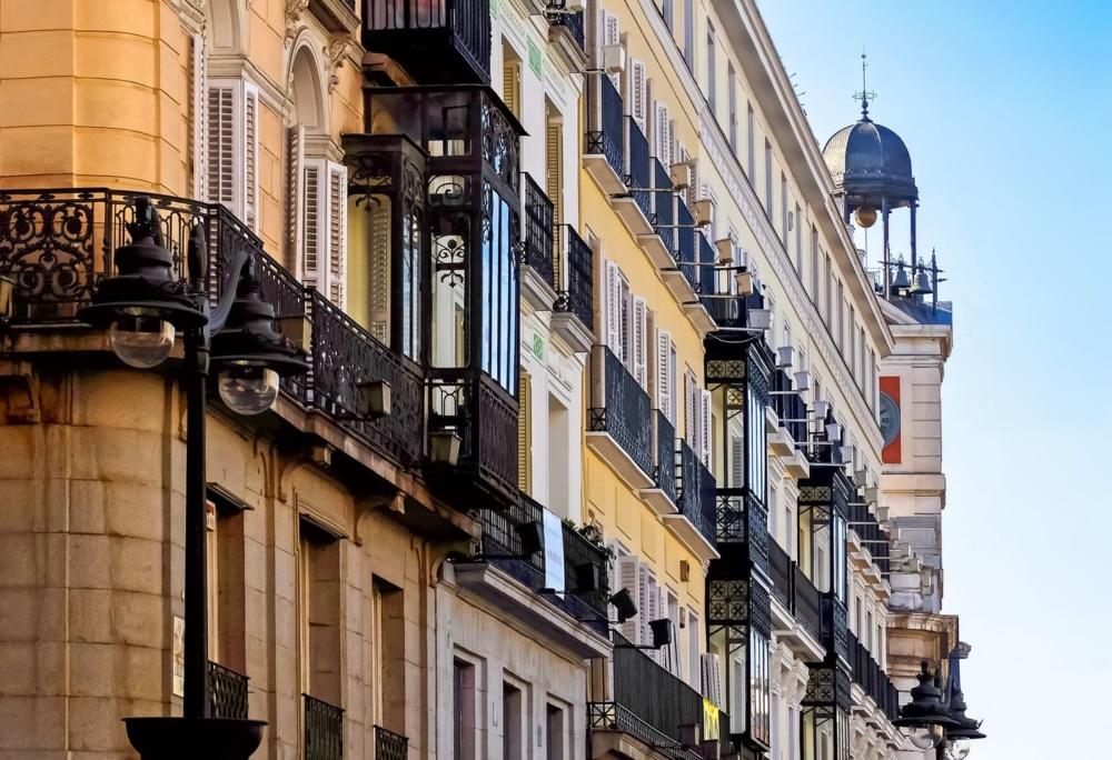 Qu hacer en madrid barato caracol viajero for Puerta del sol 2017