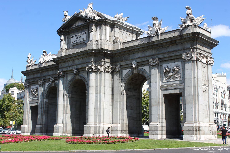 Puerta de Alcalá - Cuánto cuesta un viaje a España