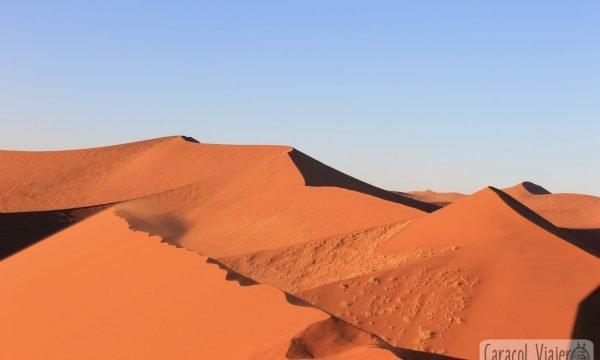 El desierto de Namibia y el valle de la Muerte