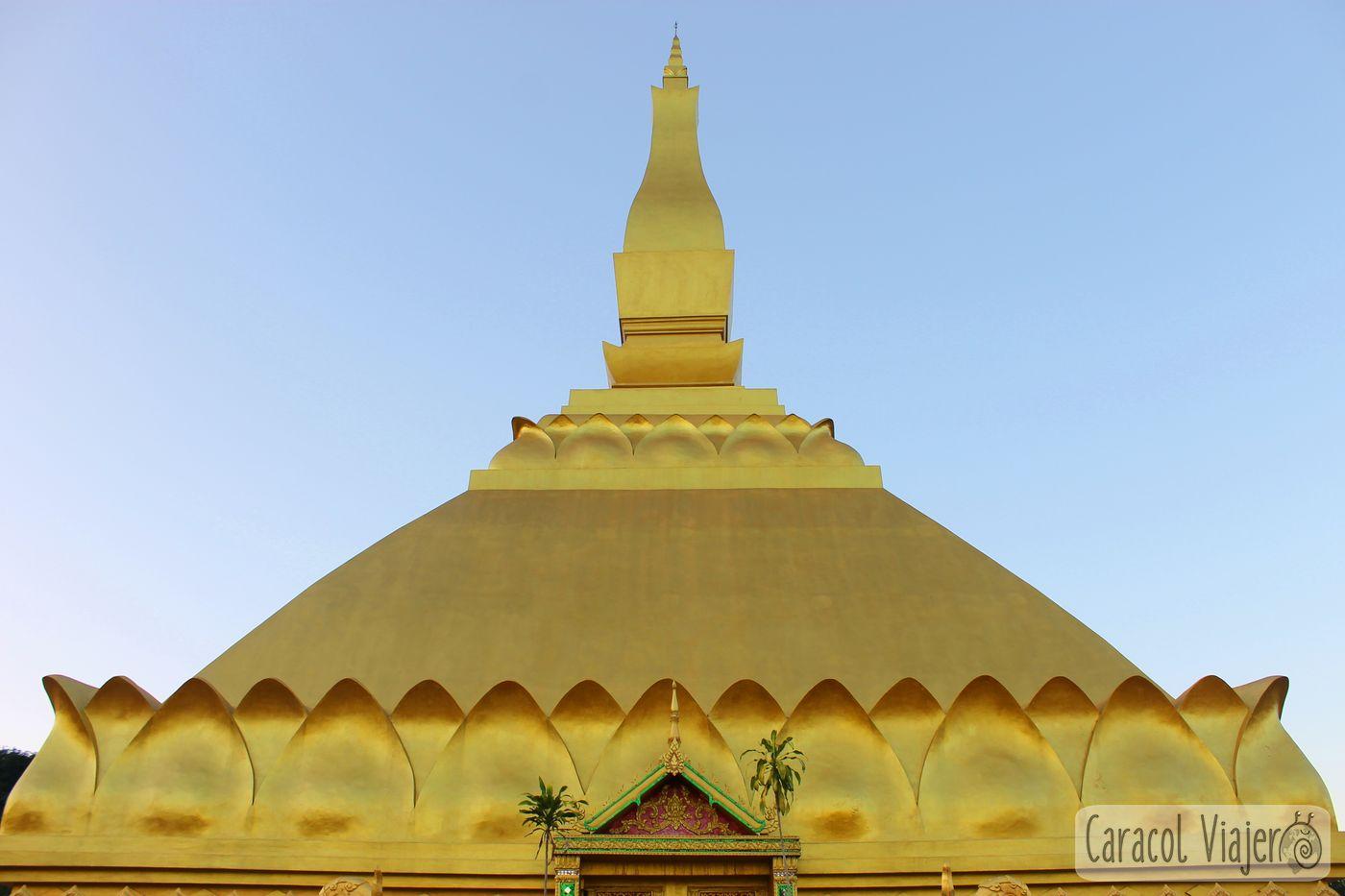 Estupa dorada - Wat Ban Vieng Tai