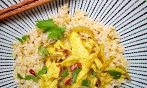 Pollo con leche de coco al estilo malasio en 30 min
