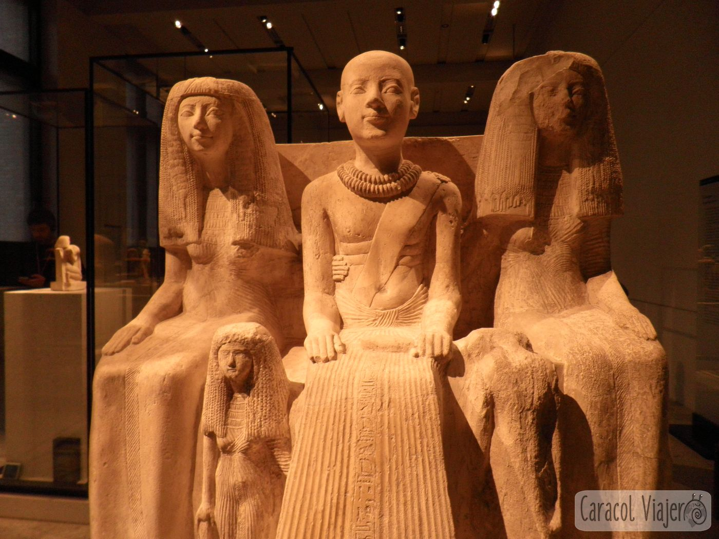 Museo Nuevo interior figuras egipcias