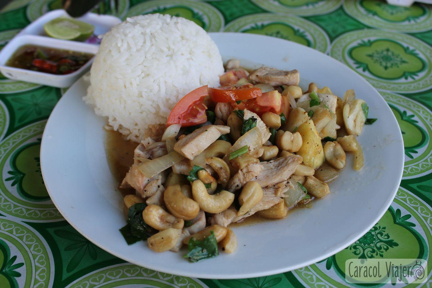 Comida en Laos pollo