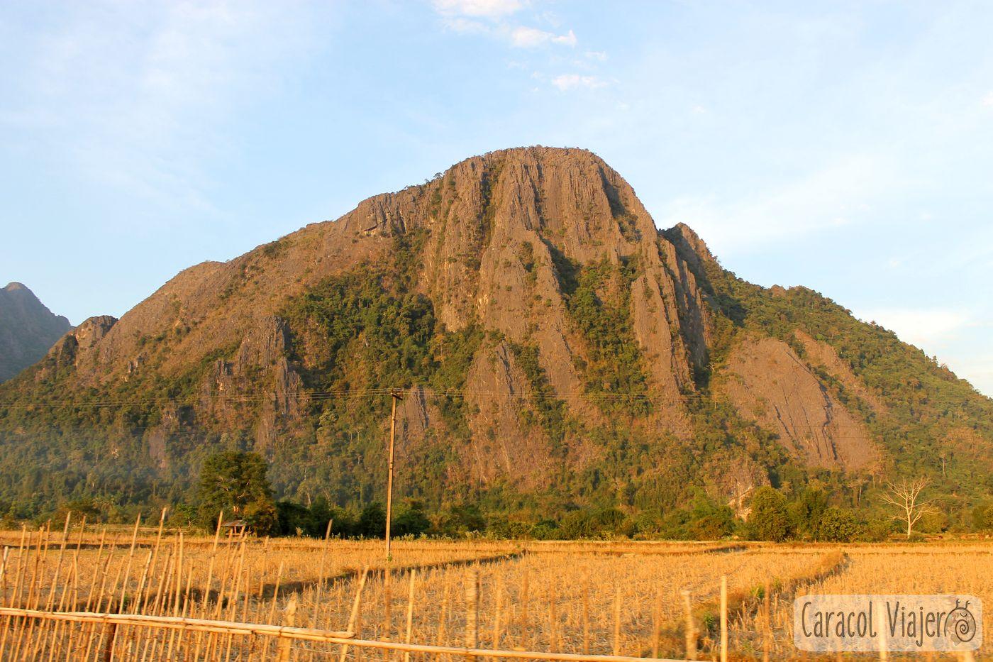 montañas en Vang Vieng, Laos