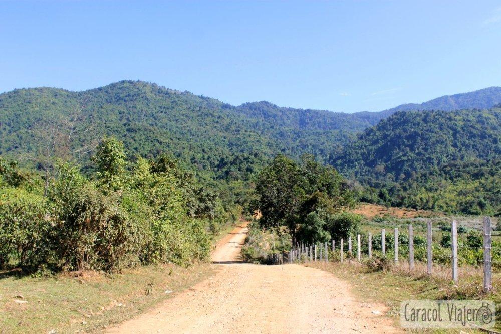 Vang Vieng camino a cascadas