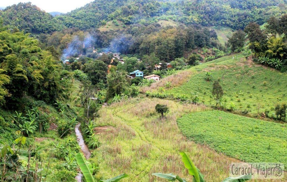 Huay Bon Cave aldeas