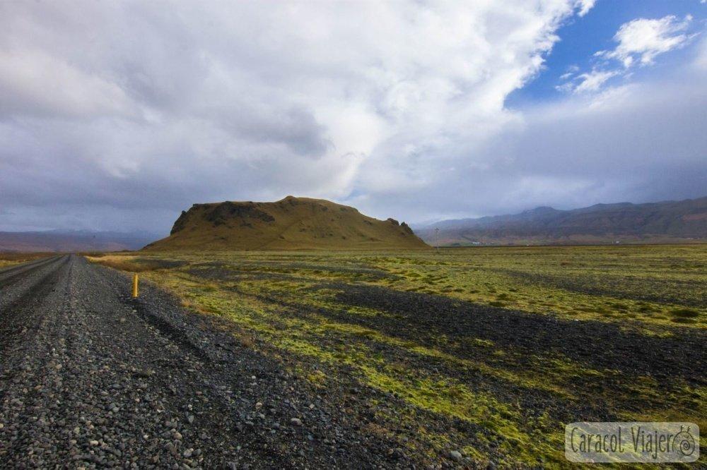 Caminos por las cascadas de Islandia