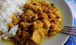 ¡Murgh Korma, pollo korma con frutos secos y especias!