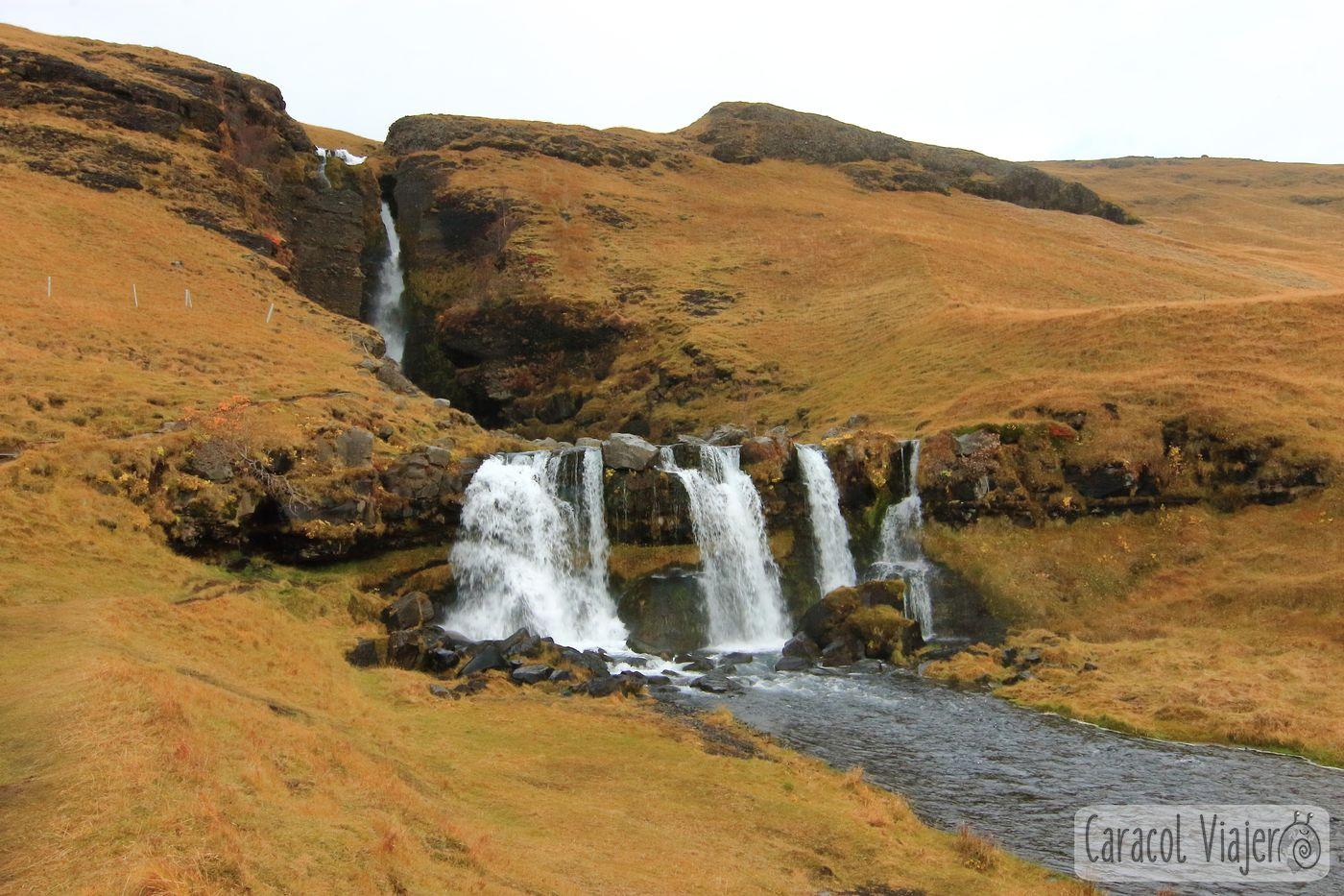 La cascada Gluggafoss en Islandia